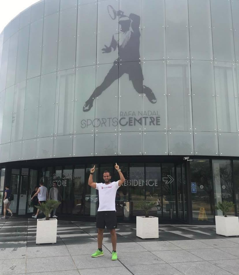 O Baies Fermin Lopez Agra traballa no Rafa Nadal Sports Center