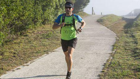 Marcos Ordonez facendo o Ultra Trail Costa da Morte