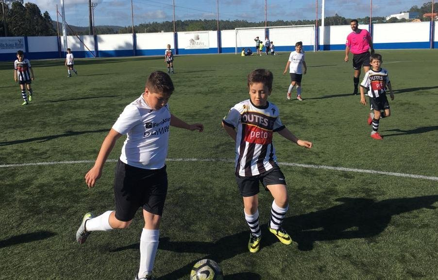 Imaxe da final entre Dumbria e Outes da Copa da Costa f8