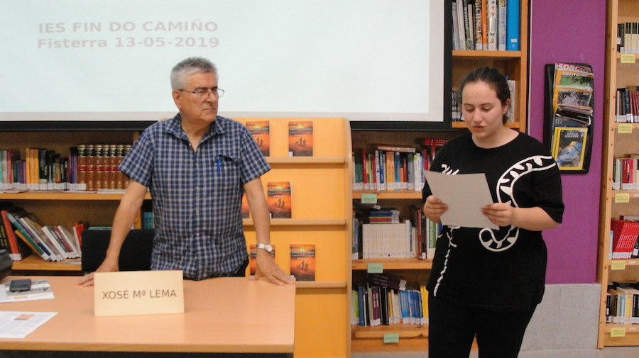 Lema Suarez levou a novela Costa do Solpor no IES Fin do Camiño de Fisterra